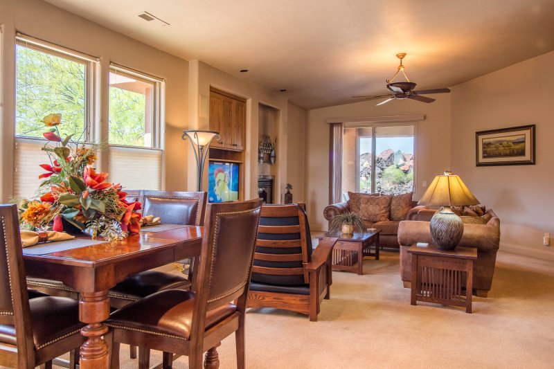 Living/Dining Room With Stunning Views of Red Mountain - Stunning Views Entrada 2 Bedroom 2 Bath Home - Saint George - rentals