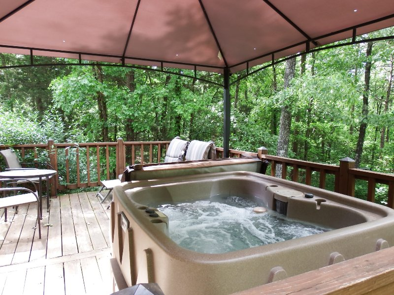 Hot-tub on back deck - Greers Ferry  Lake-house HOT TUB, path to lake - Greers Ferry - rentals