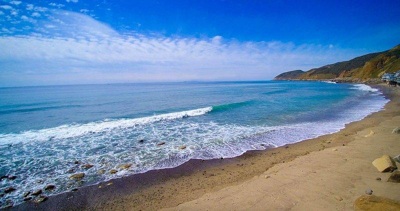 Modern Oceanfront Jewel Box - Image 1 - Malibu - rentals