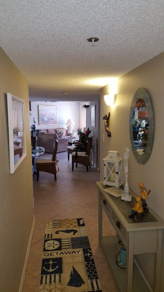 3rd Floor Condo Entrance - BEACH PALMS GULF CONDO, CLEAN, WELL APPOINTED, GULFSIDE POOL, BEACH, FREE WIFI - Indian Shores - rentals
