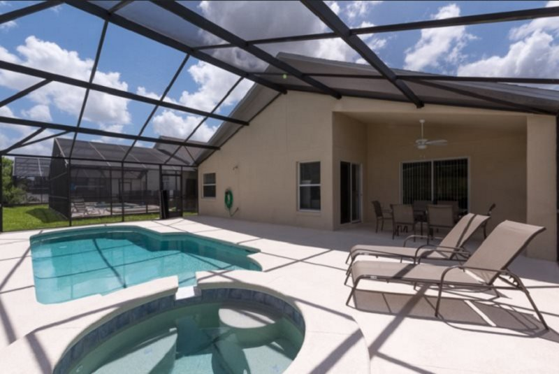 Beautiful 4 Bedroom 3 Bath Pool Home in Legacy Park. 735HPB - Image 1 - Davenport - rentals