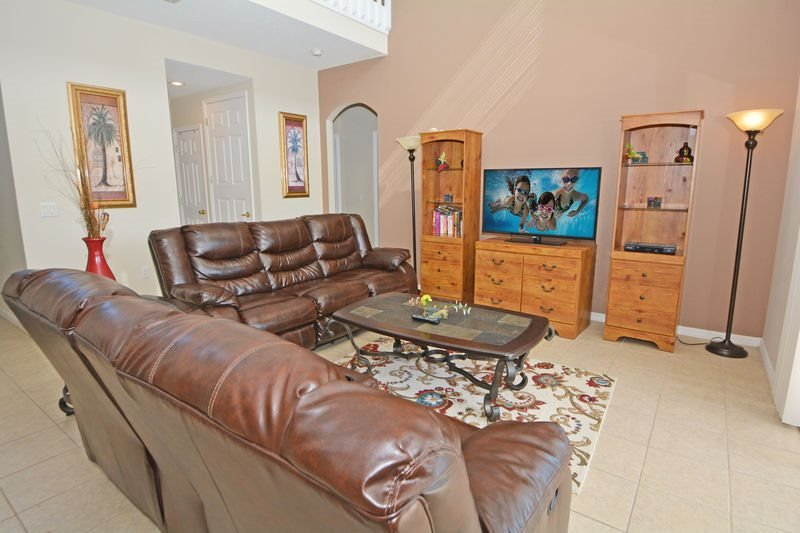5 Bedroom Pool Home in Gated Legacy Park High Gate. 520HPB - Image 1 - Davenport - rentals