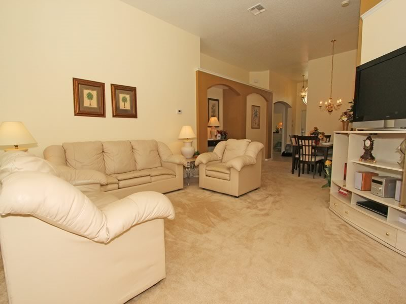 4 Bedroom 3 Bath with South Facing Pool in Kissimmee Resort. 8147FPW - Image 1 - Orlando - rentals