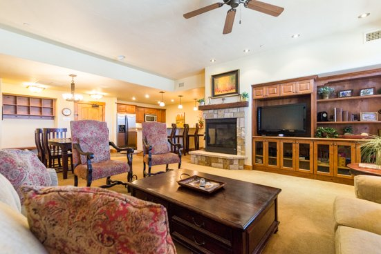 Emerald Lodge Living Room - 5102 - 5102 Emerald Lodge, Trappeurs - Steamboat Springs - rentals