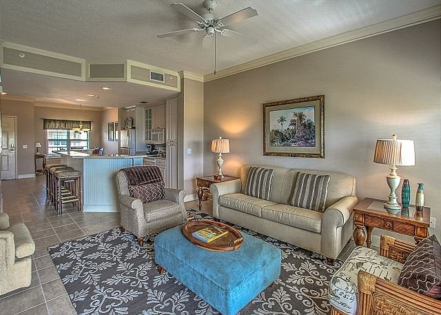 Living Area - 405 NorthShore Place - Beautiful 4th Floor Villa.  Pool & Spa - Hilton Head - rentals