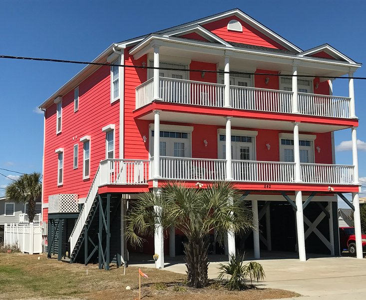 Front of the house with her new paint color. - NEW Luxury Ocean and Marsh Views 7BR/6.5BA 2nd Row House Pvt Pool Elevator - Garden City Beach - rentals