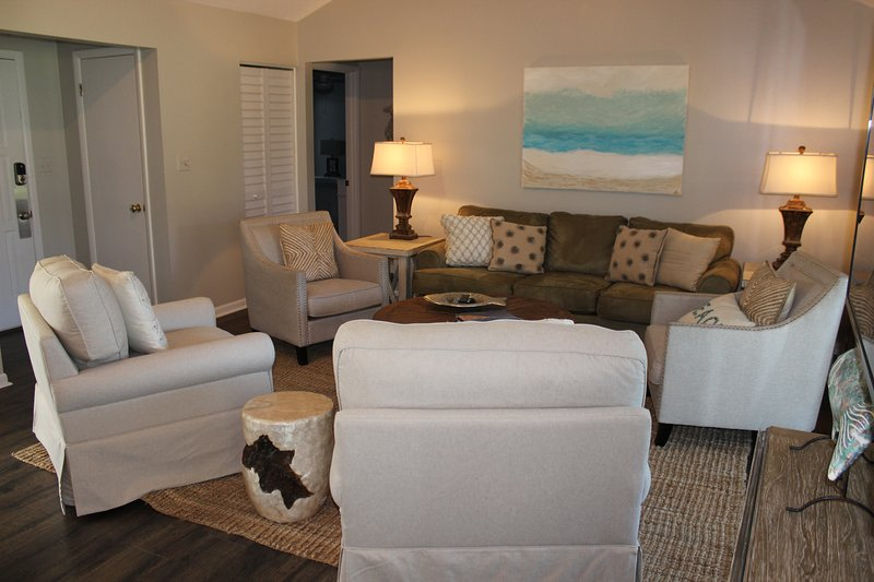 There's room for the family to be together and enjoy getting away from it all. - Linkside Village 430 Sandestin - Miramar Beach - rentals