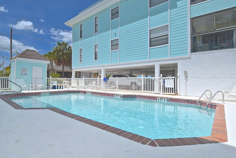 Gulf Beach Place - Just a few steps from the Beach - Image 1 - Holmes Beach - rentals