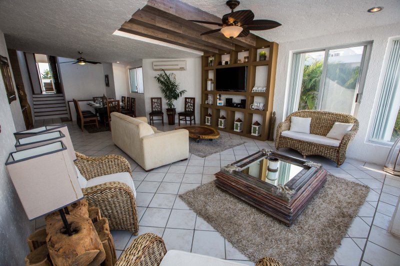 Living; Dinning room view - NEW!! Luxurious & Comfortable Residence - HZ - Cancun - rentals