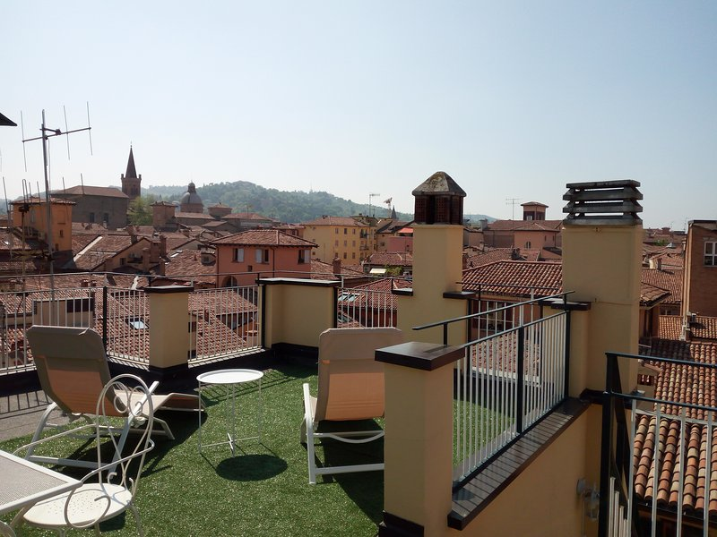 AtelierdiMarcella penthouse on the old rooftops - Image 1 - Bologna - rentals