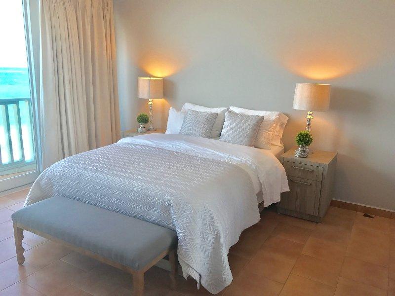 Queen size bed - BEACHFRONT STUDIO NEXT TO CONDADO MARRIOTT HO - Miramar - rentals