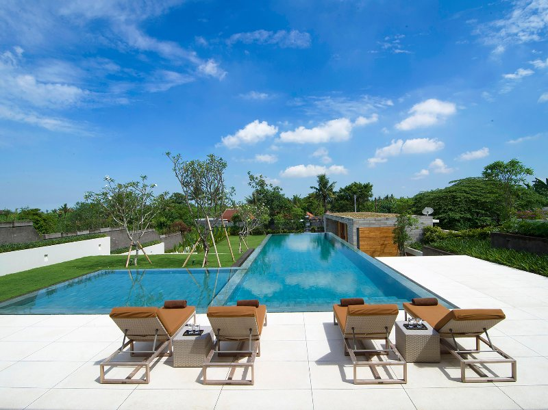 The Iman Villa - Sunloungers by the pool - The Iman Villa - an elite haven - Canggu - rentals