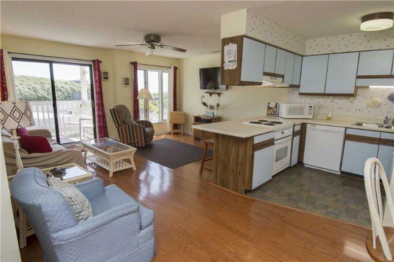 Pebble Beach C106 - Image 1 - Emerald Isle - rentals