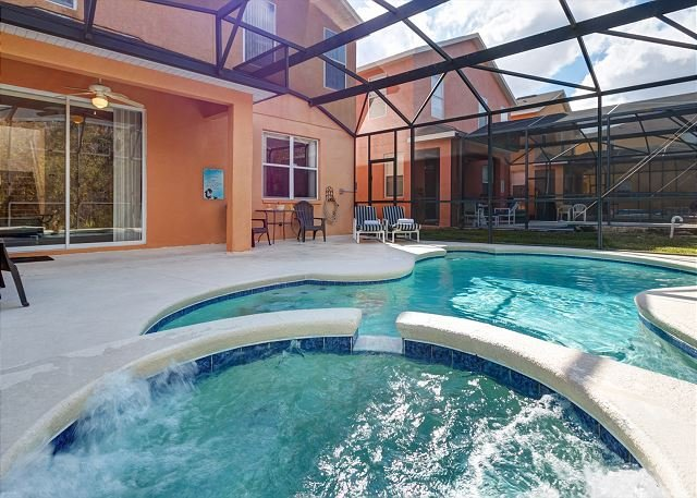 SEVILLA: 4 Bedroom Pool Home with Conservation Views and Complimentary WIFI - Image 1 - Davenport - rentals