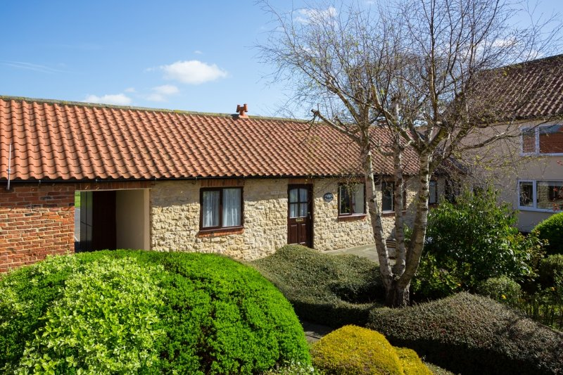 Orchard Cottage located in Bedale, North Yorkshire - Image 1 - Bedale - rentals