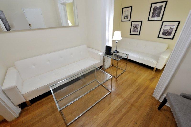 Midtown East 3BDR 1BATH Apt! #8454 - Image 1 - Manhattan - rentals