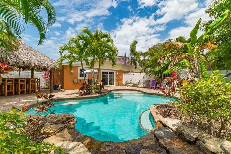 Pool 1 - CHIKI TIKI WEST - Holmes Beach - rentals