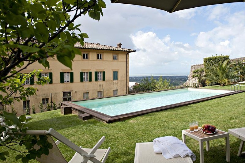 Large Historic Tuscan Villa with a Pool and Panoramic Views to the Sea - Villa - Image 1 - Camaiore - rentals