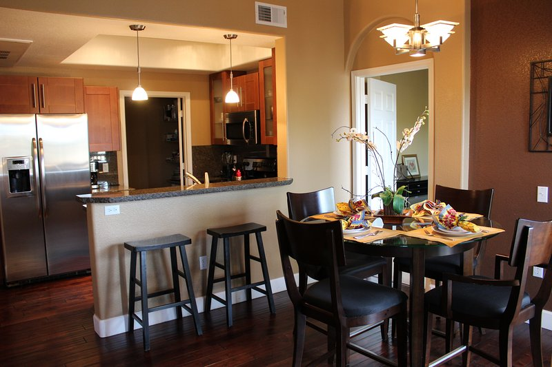 Updated Kitchen & Dining Area - Gorgeous Luxury Condo with Pool, BBQ, Golf, Hiking & Breathtaking Views! - Flagstaff - rentals