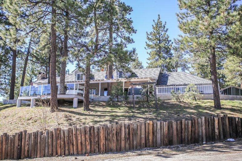 Ponderosa Cabin~Lake-View~Outdoor Spa/Game Room~Den/Loft Area~Guest Apartment~ - Image 1 - Big Bear Lake - rentals