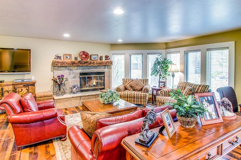 Marvelous riverfront home w/ private hot tub & easy ski access! - Image 1 - Beaver Creek - rentals