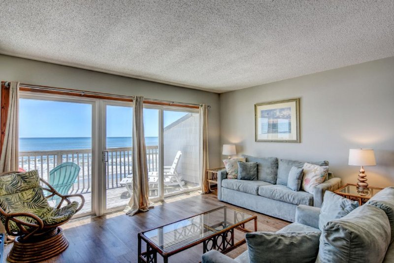 Living Room 2 - Queen's Grant E-217 - Topsail Beach - rentals