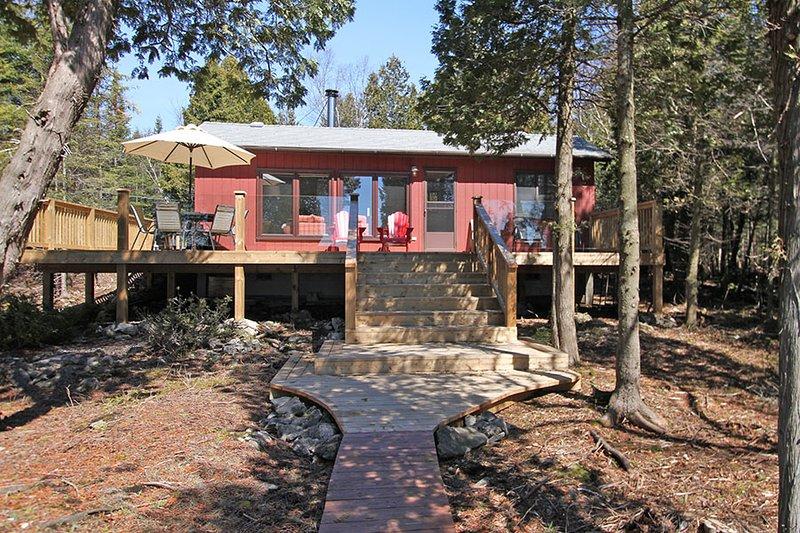 Huron Lake House cottage (#1088) - Image 1 - Bruce Peninsula - rentals