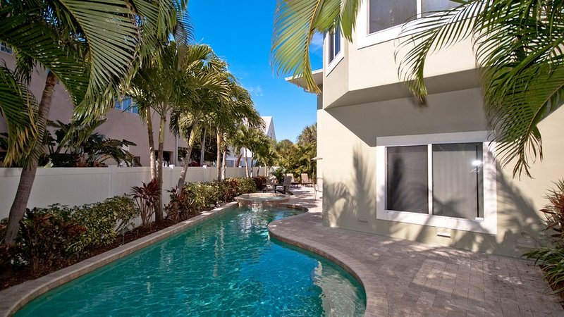 Heated Pool and Spa - Dragonfly Breeze: 3BR Family-Friendly Pool Home - Holmes Beach - rentals