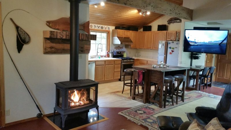 A cozy fire on a cold winter's night - Book with Confidence - Todds Creekside Cabin - central to Olympic National Park - Forks - rentals