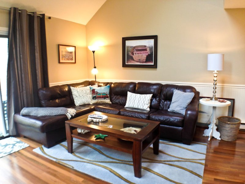 Living area - Ocean Edge Townhouse with King Bed, A/C & Pool (fees apply) - HO0299 - Brewster - rentals
