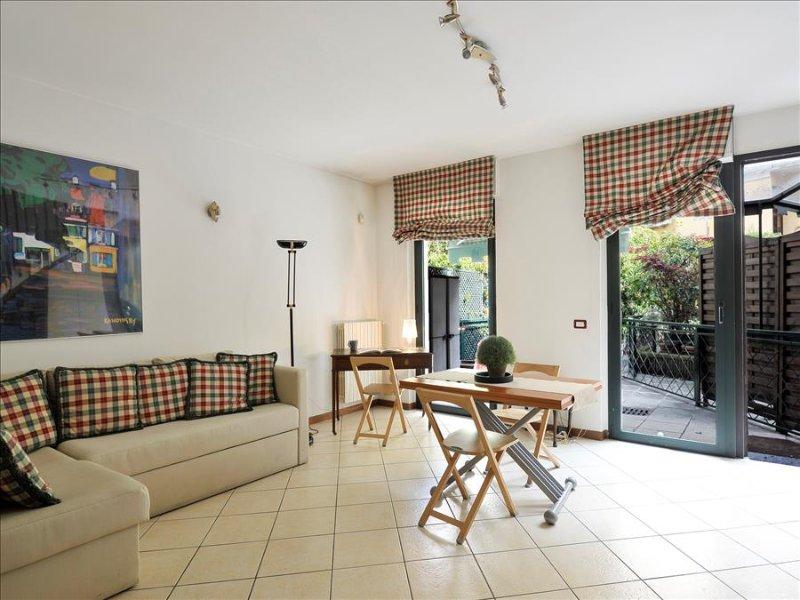 Cozy one bedroom duplex w/terrace - Image 1 - Milan - rentals