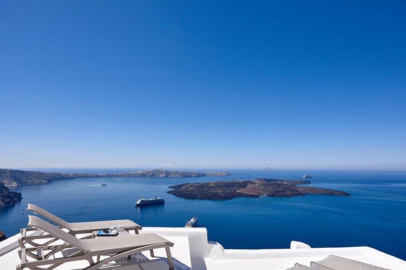 3 bedroom stylish villa with outdoors jacuzzi - Image 1 - Imerovigli - rentals