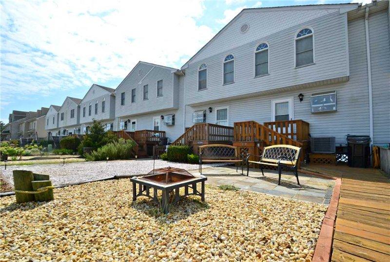 Tern Inn - Image 1 - Chincoteague Island - rentals