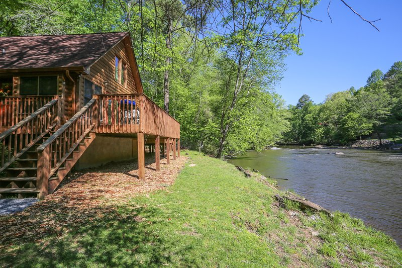 "Beautiful setting on the Coosawattee River! - ""River Houz"" - Ellijay - rentals"