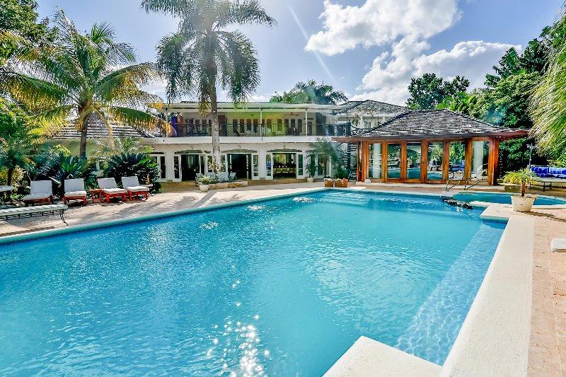Villa Beach & Golf Paradise, Sleeps 15 - Image 1 - Altos Dechavon - rentals