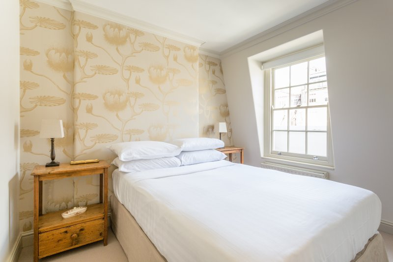onefinestay - Kinnerton Street private home - Image 1 - London - rentals