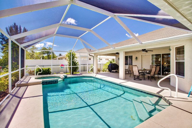 House on a canal in established neighborhood - Image 1 - Cape Coral - rentals