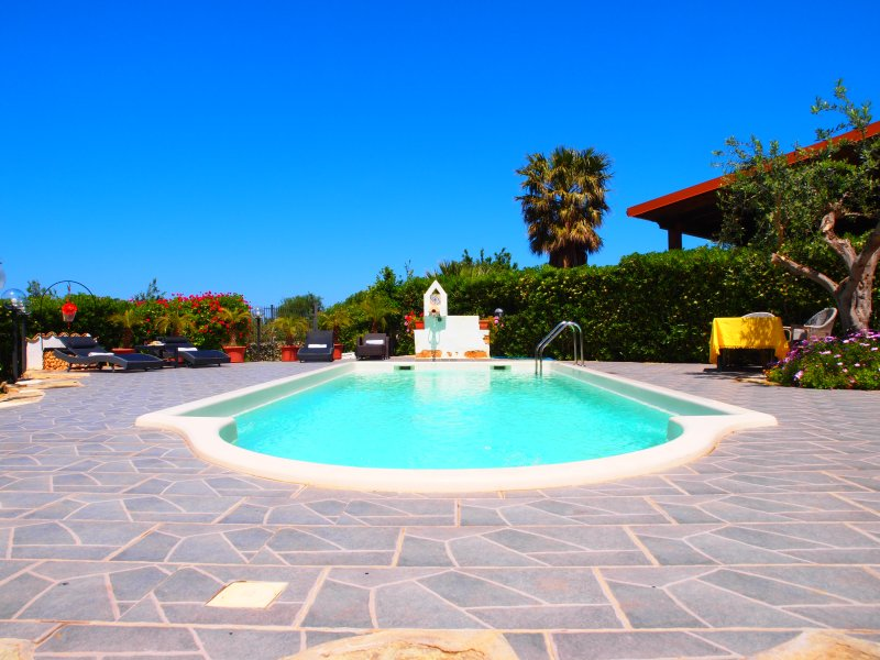 Holiday House with private pool - FREE WI-FI - Image 1 - San Vito lo Capo - rentals