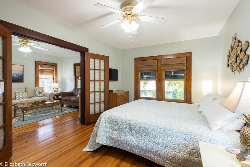 Spacious bedroom - Enchanting Sand Dollar - Gulfport - rentals