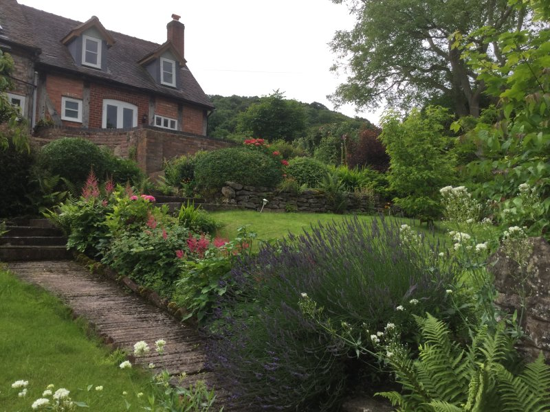 frontage - holiday letting in shropshire uk - Much Wenlock - rentals