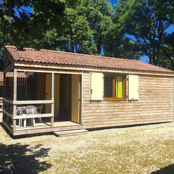 2 bedroom Chalet in rural France - Image 1 - Bressuire - rentals