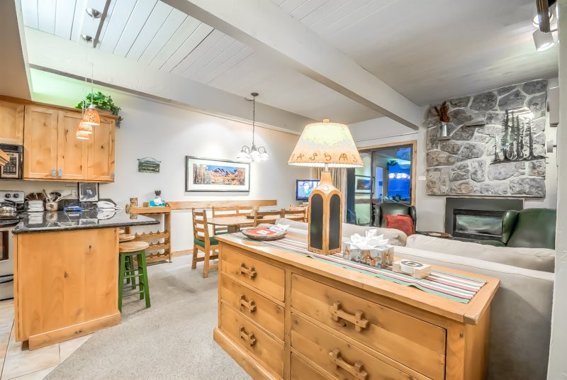 True Ski In/Out, Nicest Condo In Complex, Best Amenities - Image 1 - Steamboat Springs - rentals