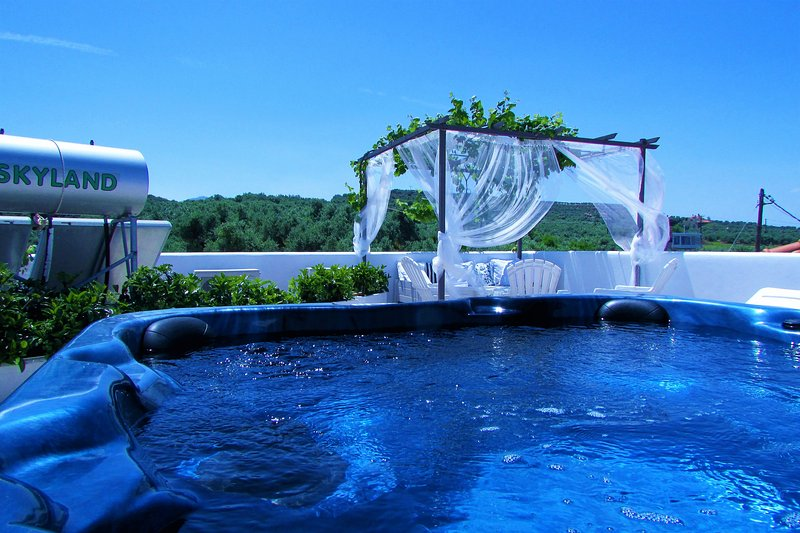 Villa Panorama private pool & outdoor jacuzzi and breathtaking sea view,3bedroom - Image 1 - Chania - rentals