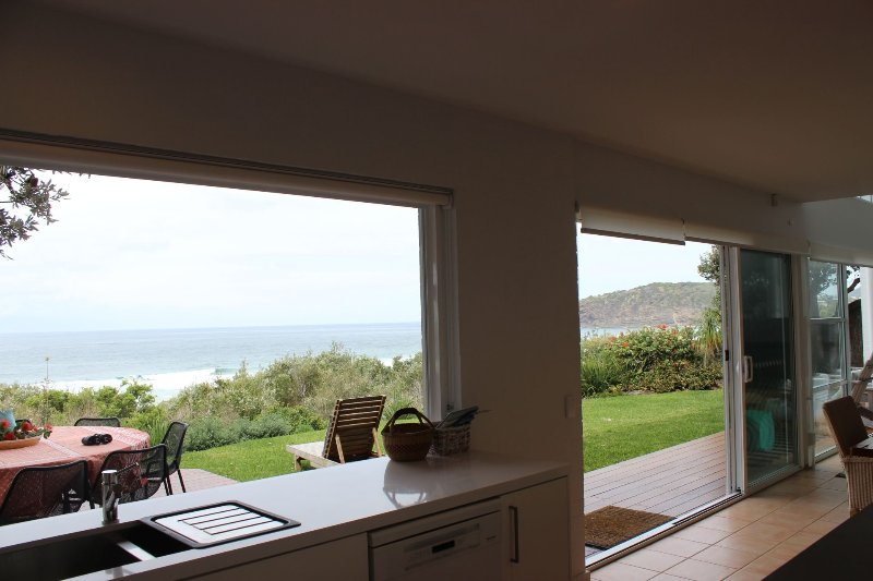 22 ON COAST - (Weekly Only)  22 Coast Ave Boomerang Beach - Image 1 - Elizabeth Beach - rentals