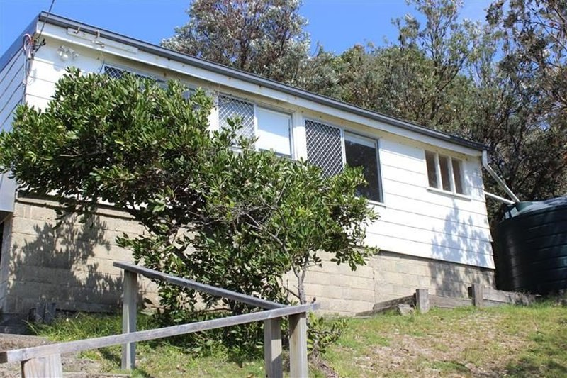 TRADEWINDS   -   40 Kinka Rd Seal Rocks - Image 1 - Seal Rocks - rentals