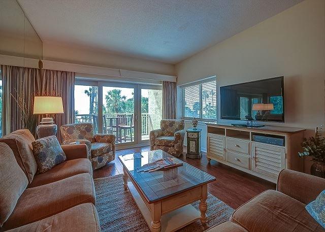 Living Area - 412 Captains Walk-Oceanfront Views,Heated Pool & Spa - Pretty! - Hilton Head - rentals