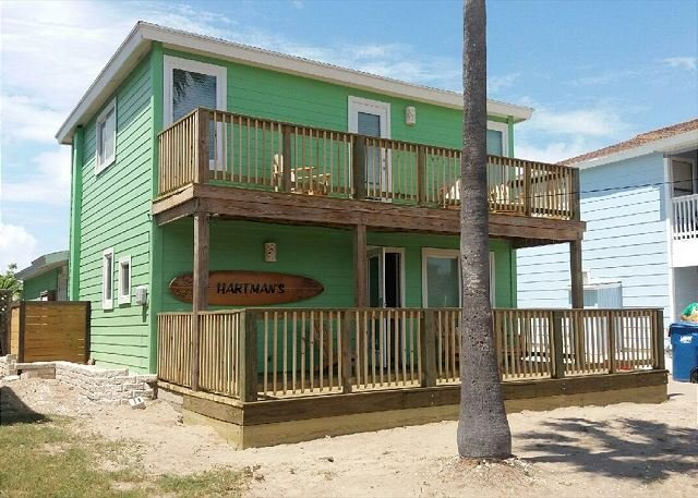 Fabulous, Like new 3 bedroom 2 bath home in the heart of Port Aransas! - Image 1 - Port Aransas - rentals