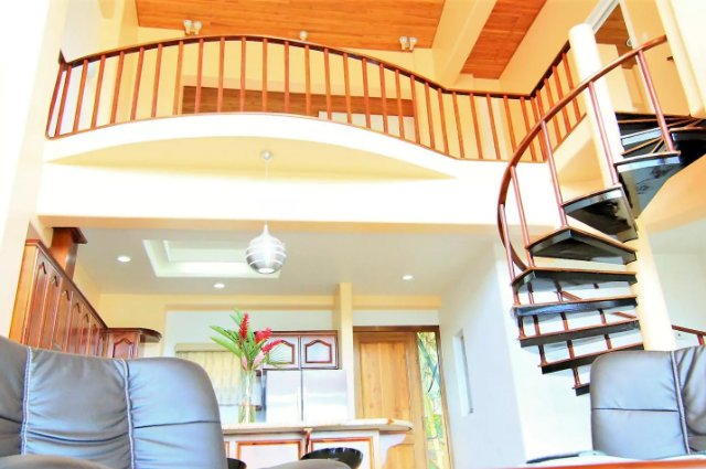 PENTHOUSE in LAKE ARENAL with POOL, FULL KITCHEN - Image 1 - Nuevo Arenal - rentals