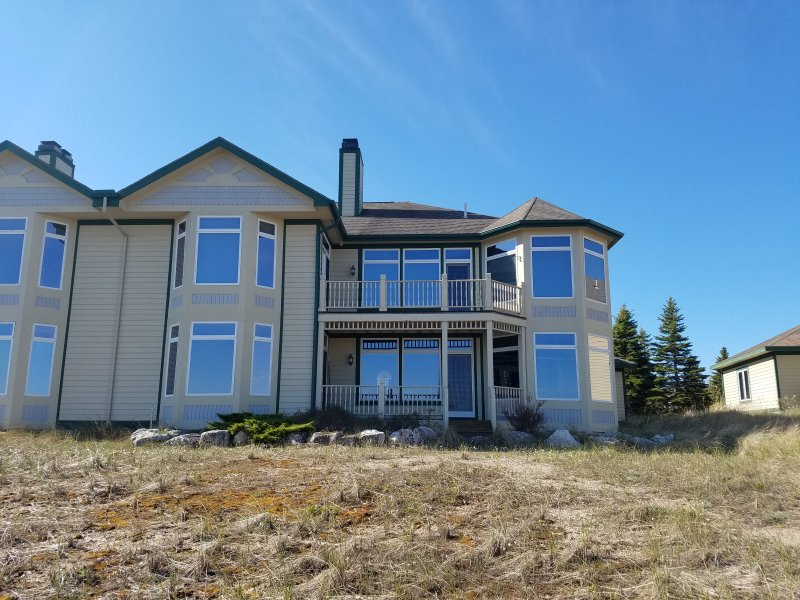 Second Floor Lake Michigan Condo with Sunset Views - Image 1 - Manistee - rentals