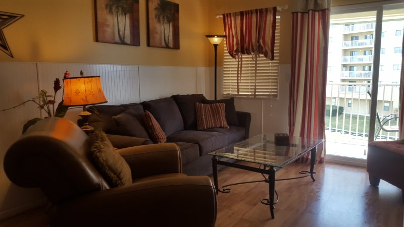 Newly Renovated Beach Side Condo! 6 Pools, Hot Tub - Image 1 - Gulf Shores - rentals
